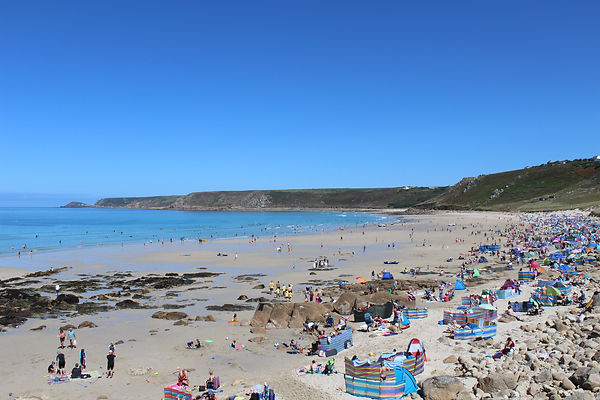 Sennen cove, surfers, BBQ on the beach, sand dunes, Near to lands end, amaing sunsets, surf school, Atlantic ocean,  restaurant, Ben Tuncliffe, shop, toilets, lifeguarads, boats, fish and chip shop,  lifeboats, roundhouse, art gallery, ice cream,