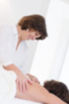 Die biodynamische Massage löst Blockaden und fördert die Tiefenentspannung