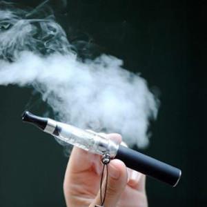 La e-cigarette réduirait l'envie de fumer et les symptômes de manque - Blog du vapoteur sur www.echantillons-eliquides.com