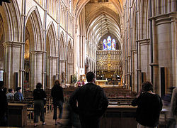 250px-Southwark.cathedral.nave.london.ar