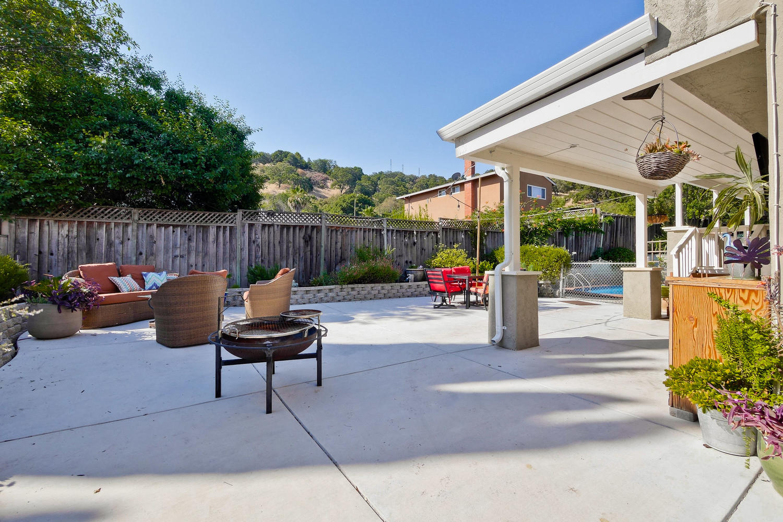 820 Colleen Dr San Jose CA-large-067-77-BackEntertainers Backyardyard-1500x1000-72dpi