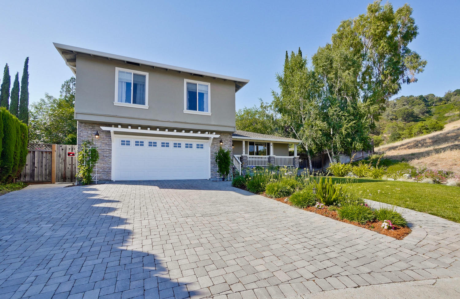 820 Colleen Dr San Jose CA-large-004-3-Front-1500x974-72dpi