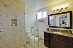 820 Colleen Dr San Jose CA-large-042-58-Master Bathroom-1500x1000-72dpi