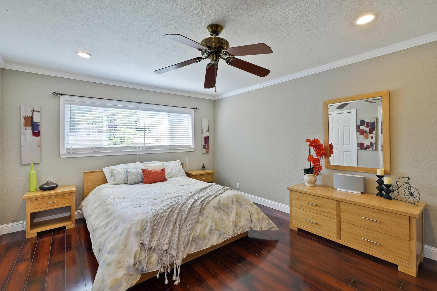 820 Colleen Dr San Jose CA-large-038-32-Master Suite-1500x1000-72dpi