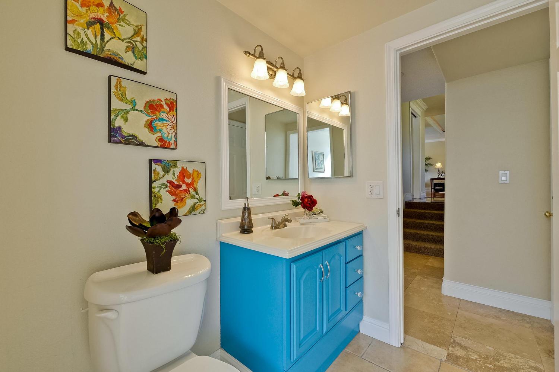 820 Colleen Dr San Jose CA-large-061-25-Bathroom-1500x1000-72dpi