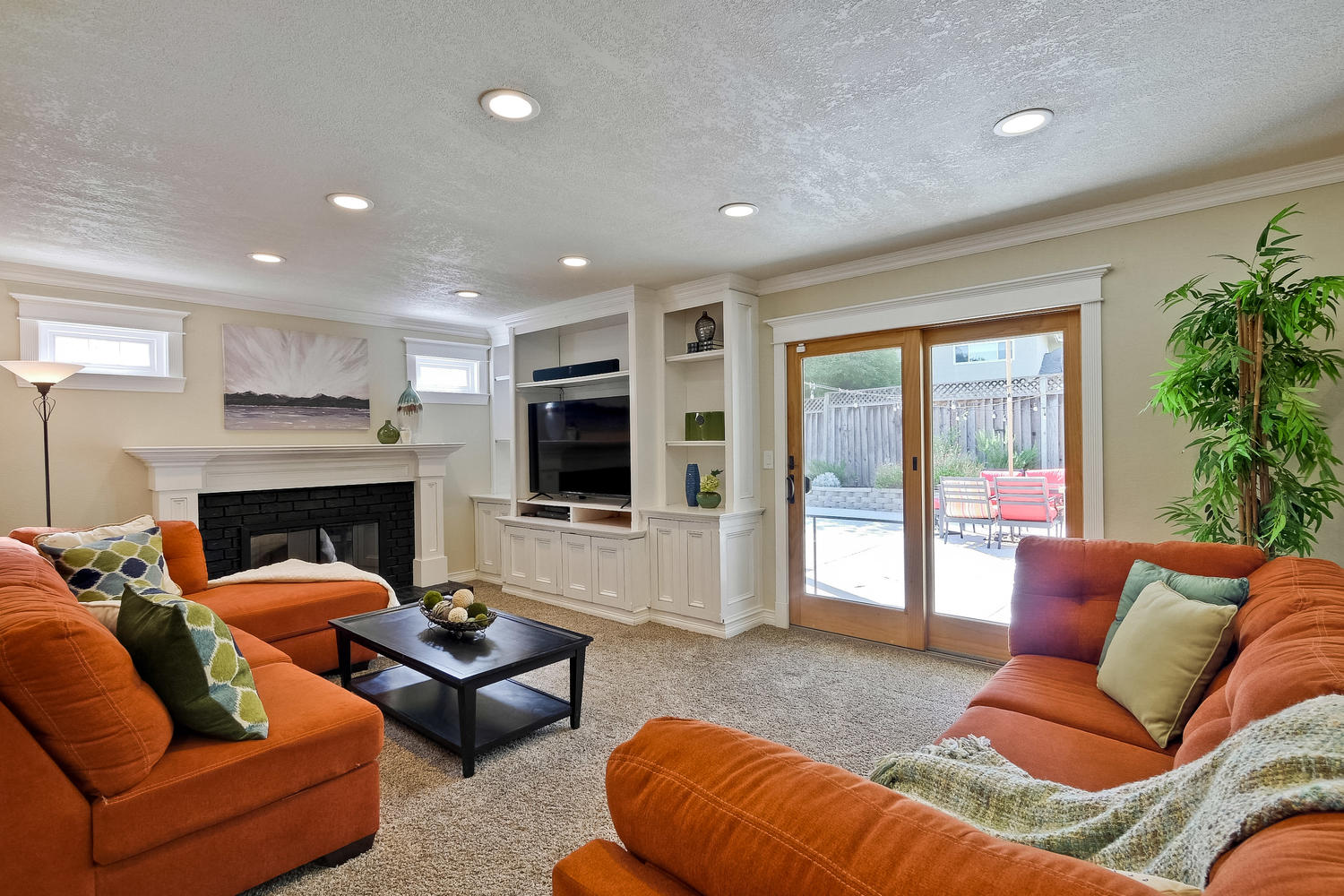 820 Colleen Dr San Jose CA-large-033-30-Family Room-1500x1000-72dpi