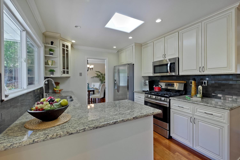 820 Colleen Dr San Jose CA-large-026-48-Kitchen-1500x1000-72dpi