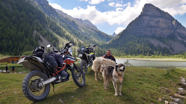lac des sagnes a moto alpes,.jpg