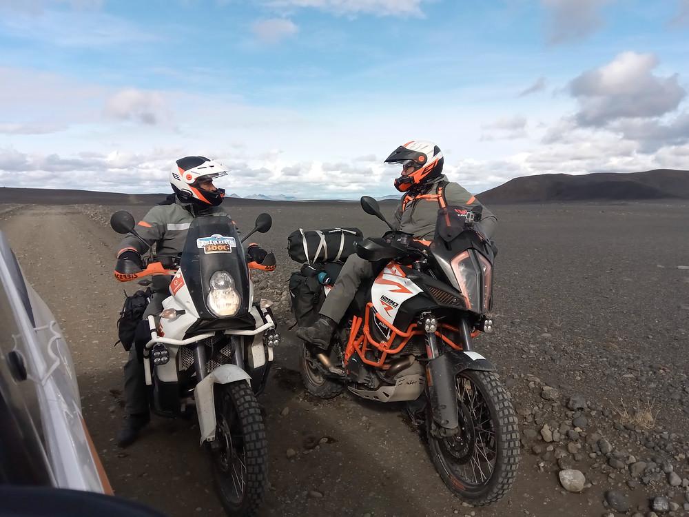 raid2roues,askja,islande,f910,f-910,moon,adventure,voyage à moto,