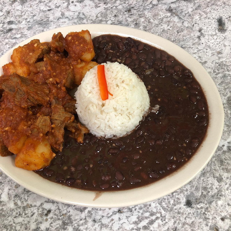 Meat with Potatos, Rice and Beans   Carne con Papas, Arroz y Frijoles