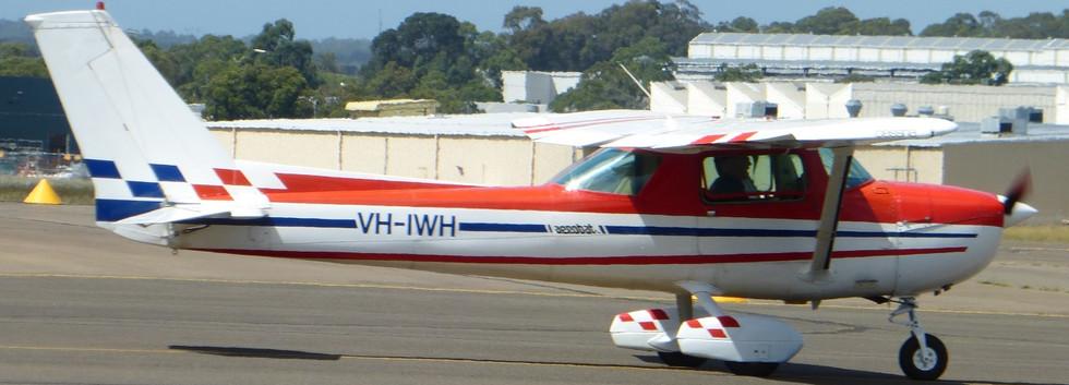 Cessna_20A150M_20VH-IWH[1].jpg