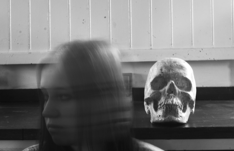 SkullSide4b&w