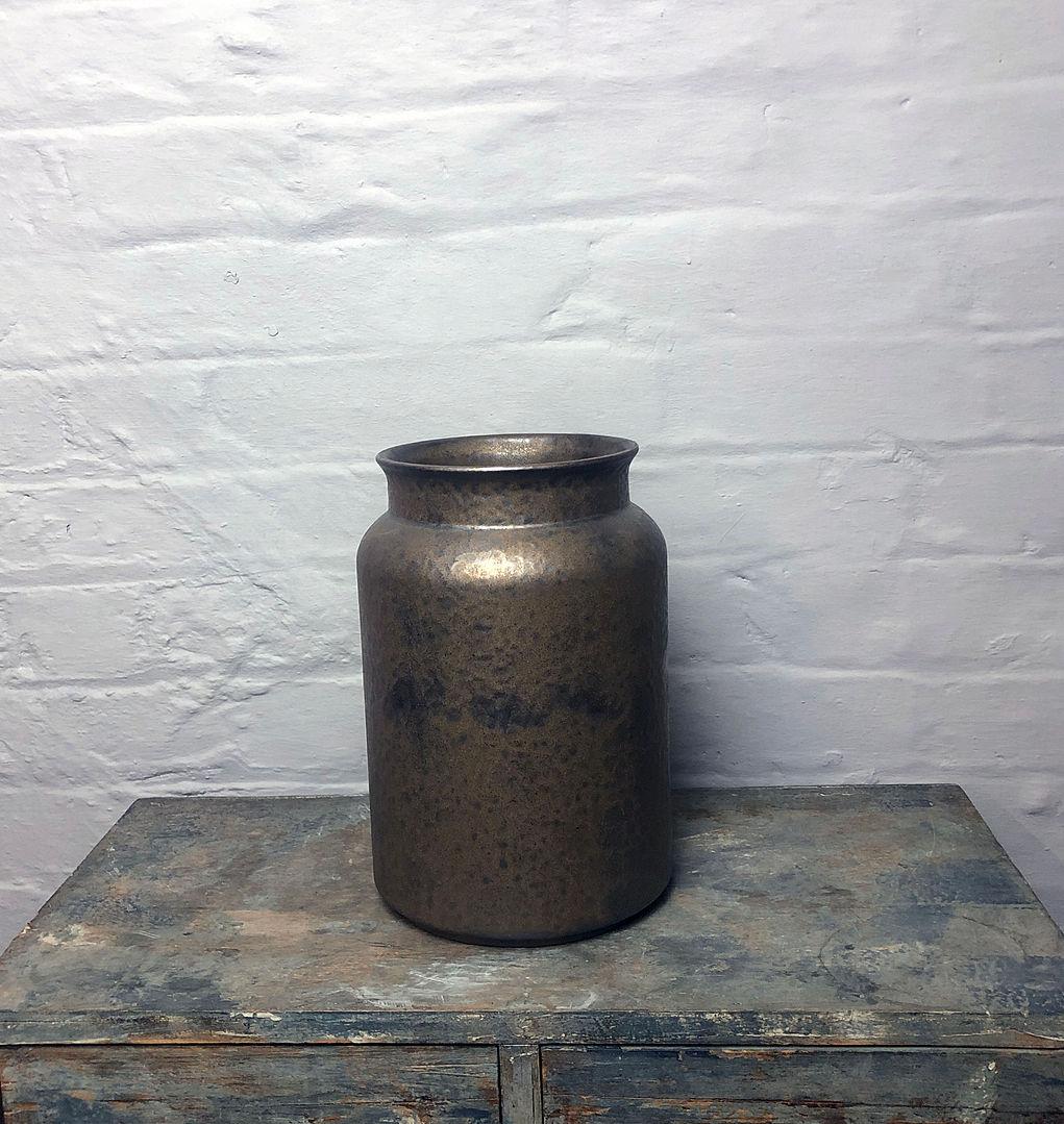 vase lausanne bronze milk cart 27_25_v04