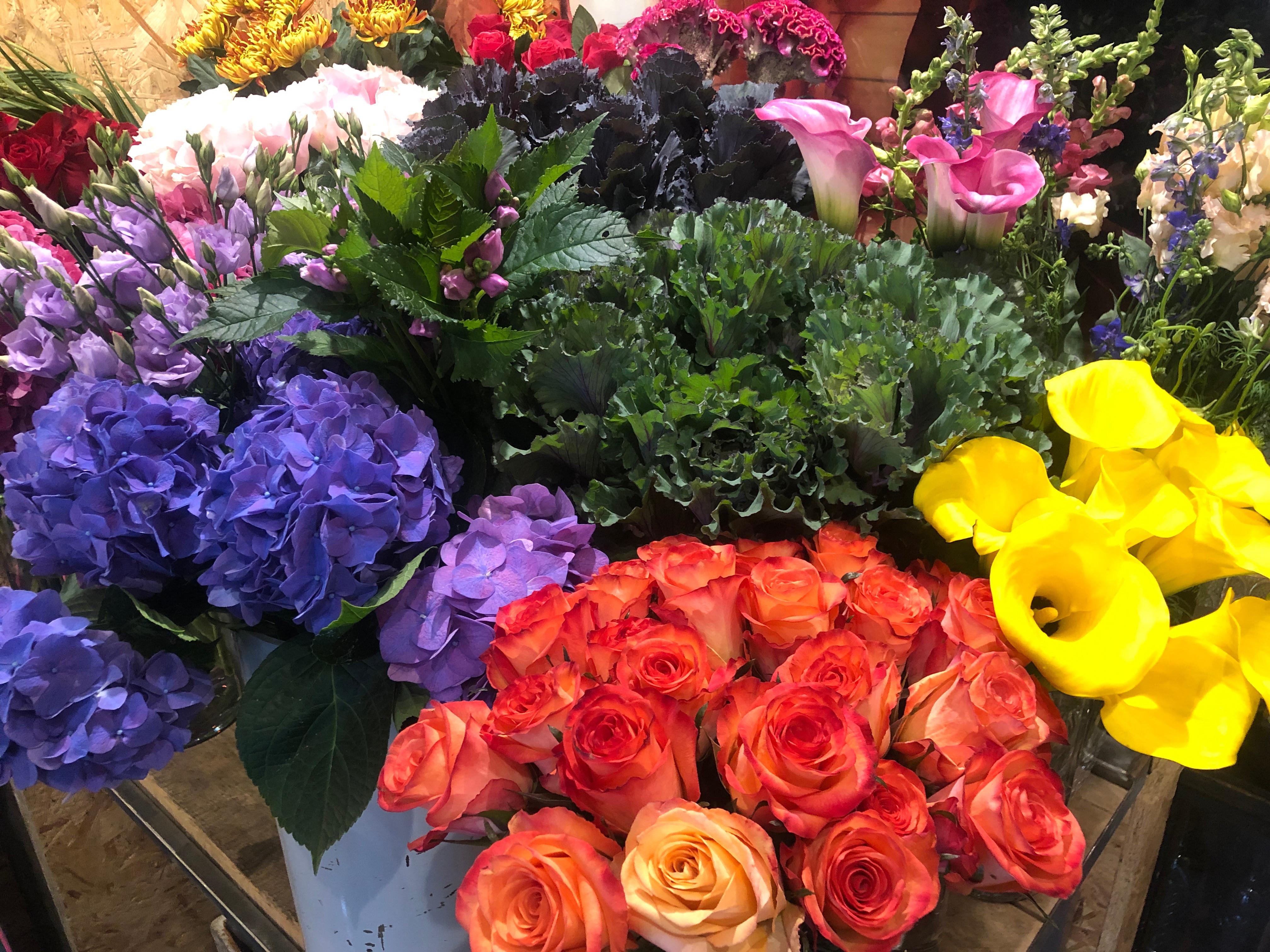 £25 pwk Flowers (min 10 week order)
