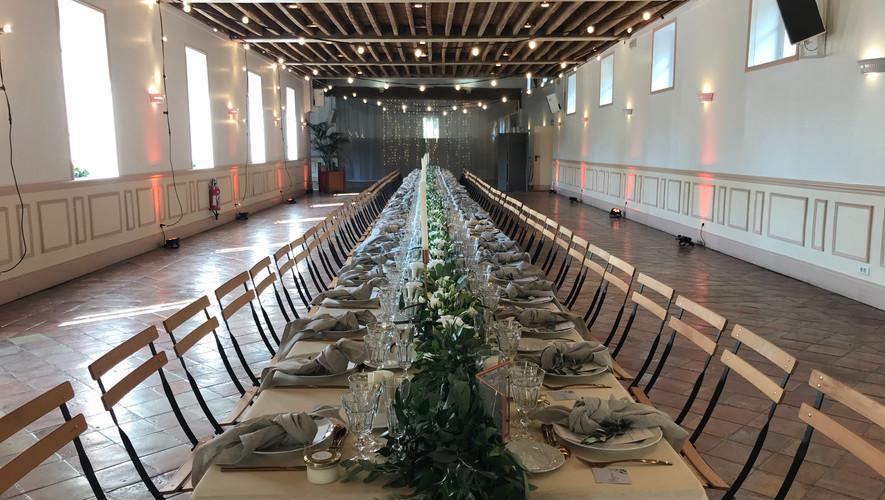 Banquet tout en longueur