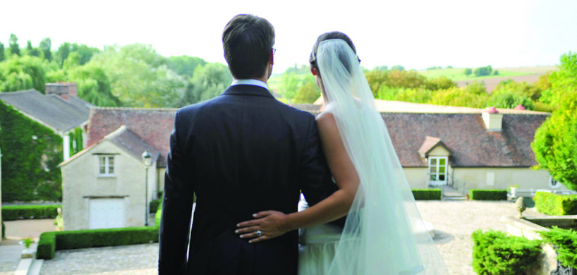Mariés devant l'horizon