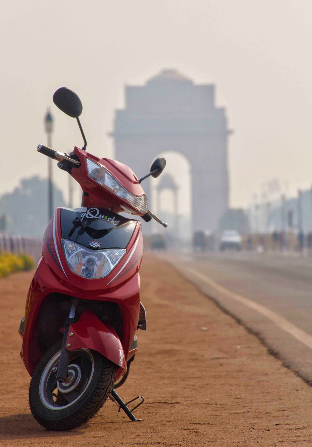 ghoom scooter on rent in front of india gate