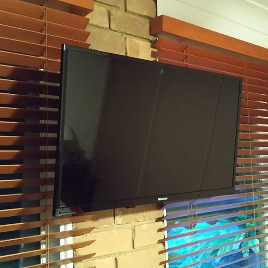 APR 23, 2019  Great way to get back into the working week. This customer wanted their TV mounted and for the issues with reception looked at, as free to air TV wasn't working the greatest. We re-wired the existing TV point along with adding an extra one. The customer was very pleased with the results.