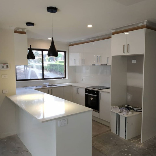 OCT 25, 2018  Yesterday the team at VC Electrical were back at the retirement village finishing off the renovation of the latest unit. The kitchen was completed with the installation of down lights, pendants, power points, stove and oven. Everything was connected and tested out perfectly.
