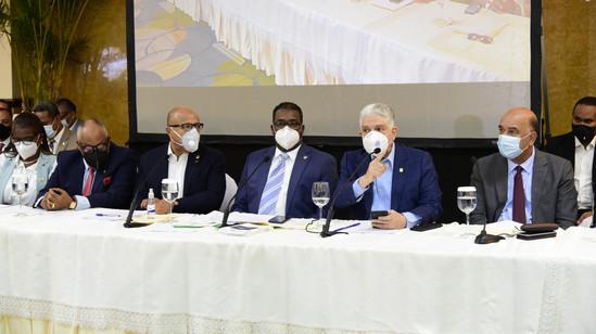 Alfredo Pacheco y Eduardo Estrella encabezan primera Vista Pública en Santiago