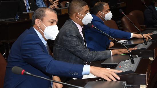 Diputados aprueban Acuerdo de Compromiso para compra de vacuna para Covid-19