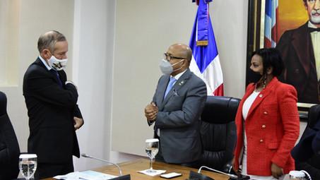 Presidente CD y embajador de Francia se reúnen, tratan temas de interés para ambos países
