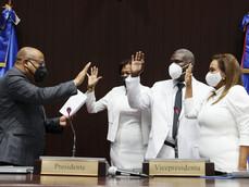 Cámara de Diputados juramenta a tres nuevos diputados que llenaron vacantes en PRM