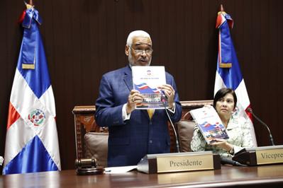 Radhamés Camacho presenta informe de gestión al frente de la Cámara de Diputados