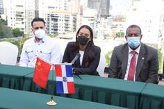 Comisión de Relaciones Exteriores realiza visita a Embajada China