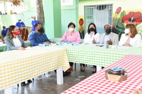 Diputados visitan cárcel de Hermanas Mirabal, comprueban respeto derechos humanos
