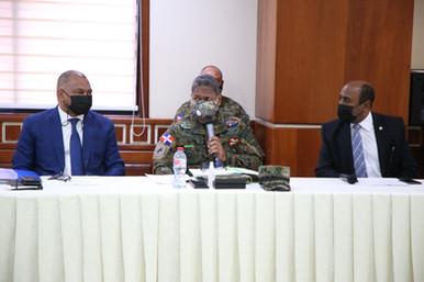 Diputados sostienen conversatorio con Director General de Prisiones y con inspector del Ejército
