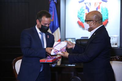 Presidente CD recibe visita del alcalde de San Juan, Puerto Rico