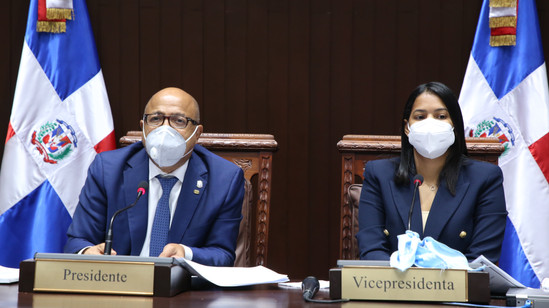 CD aprueba resolución que solicita al presidente de la República la apertura de oficinas consulares