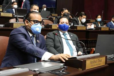Diputados ordenan investigar situación del diputado Sadoki Duarte, acusado de agredir policía
