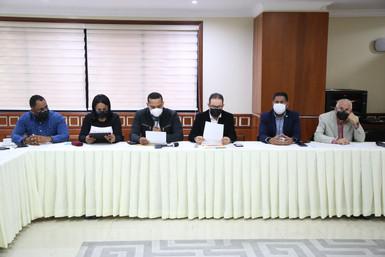 Diputados reciben posición sector sindical sobre proyecto de ley del 30%