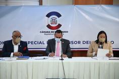 Diputados continúan segundo día de entrevistas a postulantes a Defensor del Pueblo