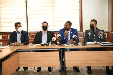 Comisión de Interior y Policía de la Cámara de Diputados recibe al director de la Policía Nacional