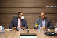 Diputados se reúnen con Ministro de Obras Públicas, tratan diversos temas