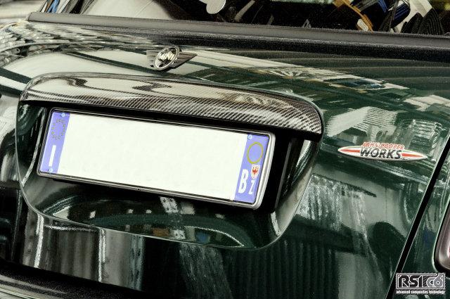 Carbon trunk handle R56