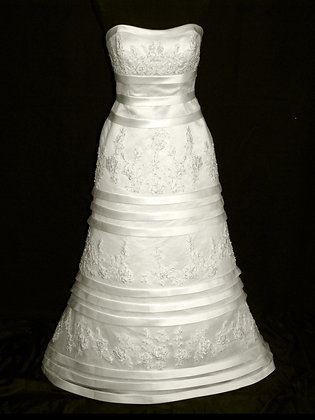 Symphony Bridal - Size 10