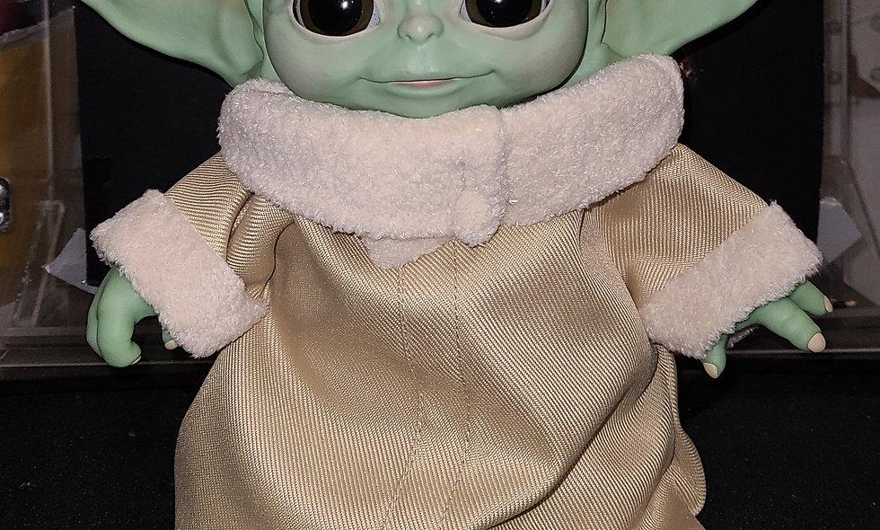 Star Wars Disney Mandalorian THE CHILD Animatronic Edition Baby Yoda.