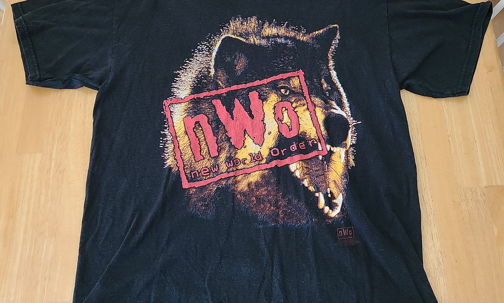 *Preowned - NWO Wolfpac T-Shirt Size L