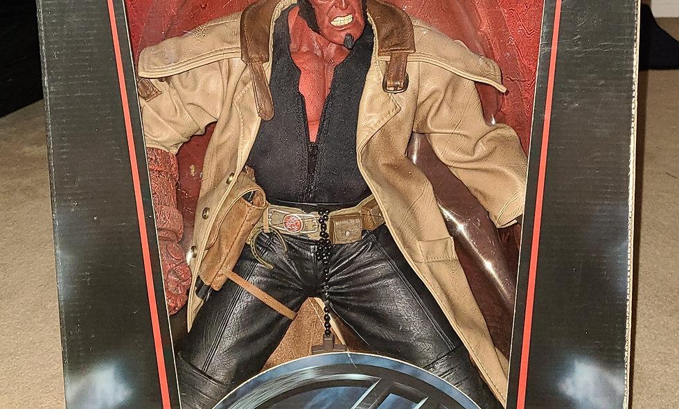 """Hellboy - 18"""" Mezco - Statue"""