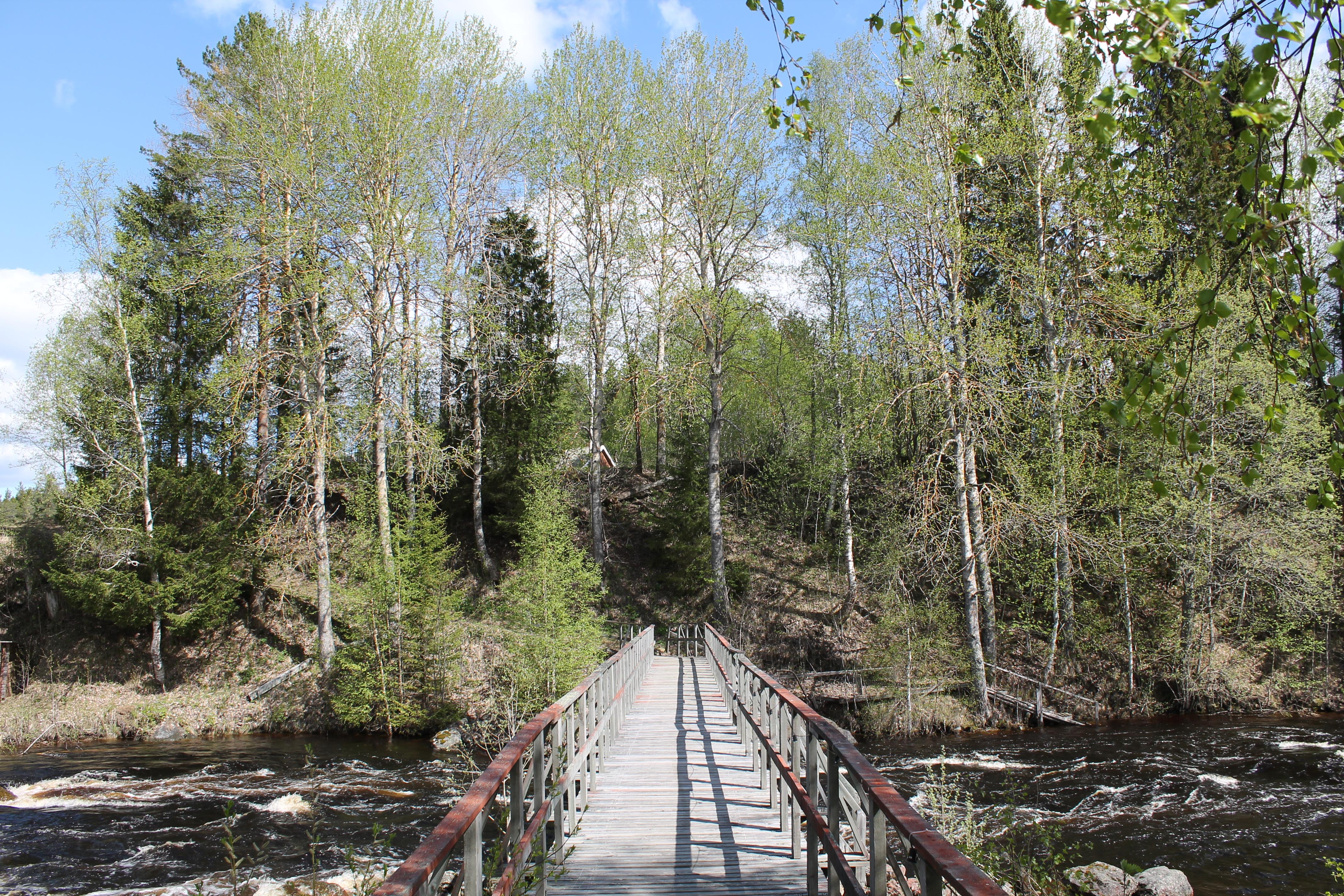 Bron över till flottarstigen
