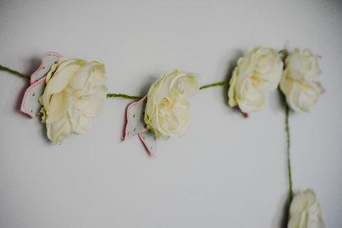 Ivory Cabbage Rose Petal Garland
