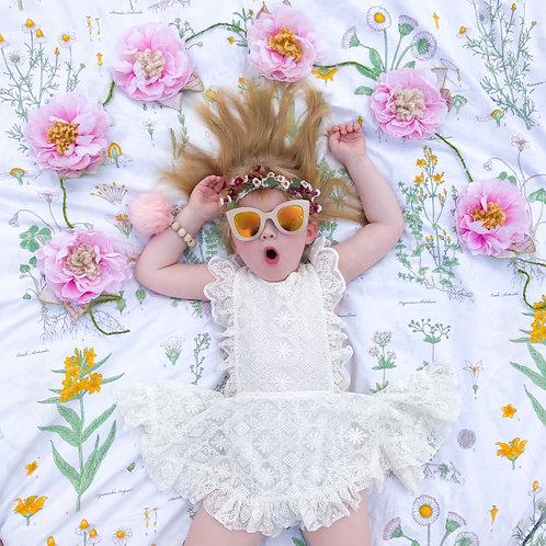Sweet Penelope Petal Blossom Garland