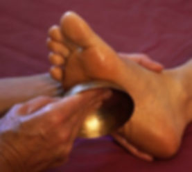 massage ayurvédique du pied bol kansu à Moulès et Baucels et Ganges