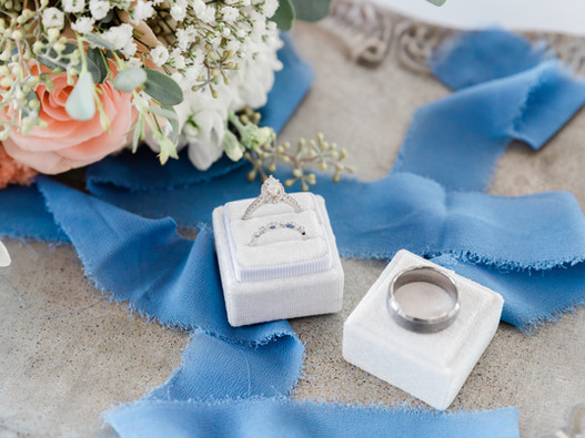 How to Create the Perfect Timeline for Your Wedding Day || Toledo Ohio Photographer