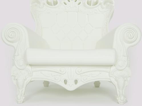 Queen of Love Armchair - Creamy Cloud
