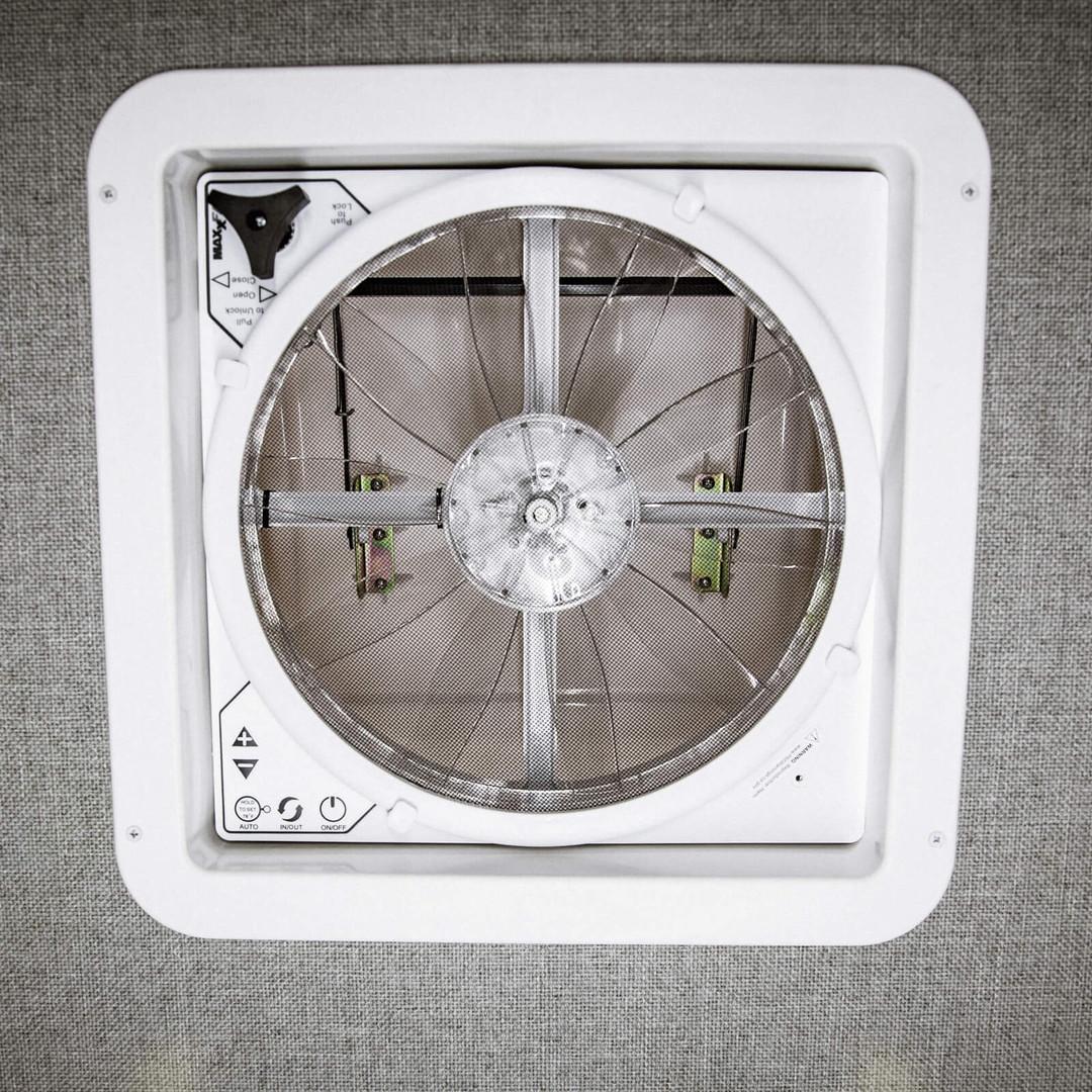 MaxxAir Delux Fan
